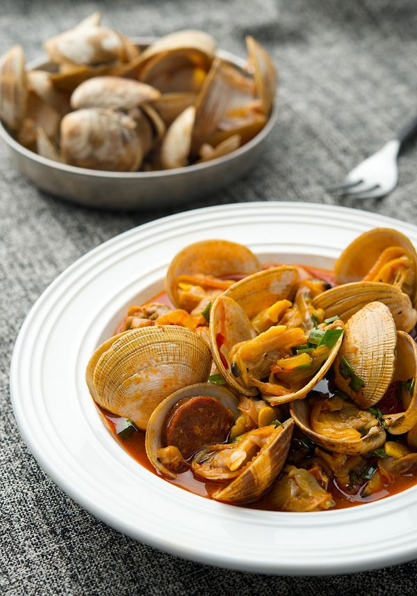 Clams and Chorizo Recipe | Chorizo Recipes, Clams and Chorizo