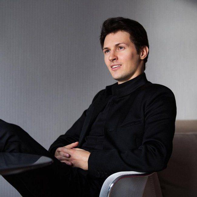 Павел Дуров снова запостил фото в плавках и опять поднял шум в Сети http://shnyagi.net/66250-pavel-durov-snova-zapostil-foto-v-plavkah-i-opyat-podnyal-shum-v-seti.html  33-летний основатель социальной сети «ВКонтакте» и мессенджера Telegram Павел Дуров в августе этого года бросил вызов президенту России и запустил в Instagram флешмоб #PutinShirtlessChallenge. Чтобы принять участие, пользователям нужно выкладывать свои фото с голым торсом. Сам Павел стал первым, показав свой снимок. А на днях…