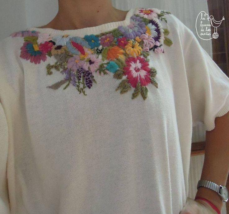 Sweater bordado con flores <3