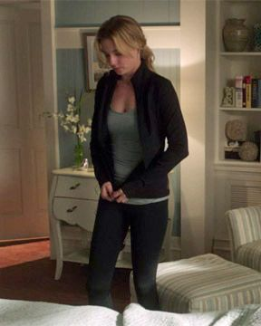 """Emily Thorne, """"Grief"""" - You Know You Love Fashion"""