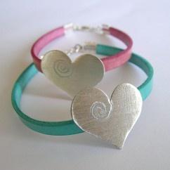 Derili kalp bileklik - #tasarim #tarz #gumus #rengi #moda #hediye #ozel #nishmoda #silver #colored #design #designer #fashion #trend #gift