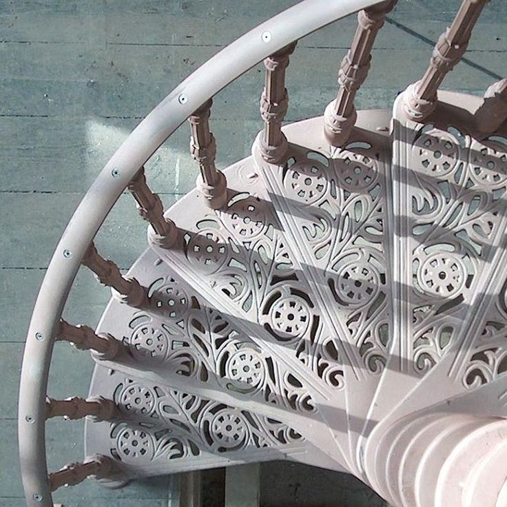 Amazing Staircase #stairs #staircase #iron #spiral #winding #art #artwork #photo #photooftheday #photography #style #handrail #architecture #archilovers #architecturelovers #insta #instagood #instadaily #instamood #inspiration #design #interior #home #homesweethome #contemporary #modern #traditional
