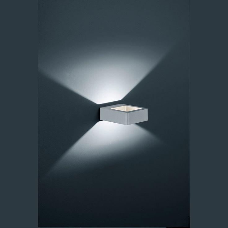 LED-Außen-Wandleuchte mit Ausstrahlung nach oben und unten