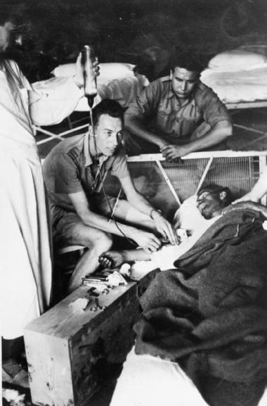 El bando republicano usó sangre de muertos para salvar a los vivos en la Guerra Civil | Materia