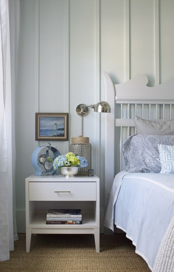 wall treatment, light and little fame.Decor, Beach House, Guest Bedrooms, Bedrooms Design, Traditional Bedrooms, Wall Treatments, Bedside Tables, Wall Design, Joel Snayd