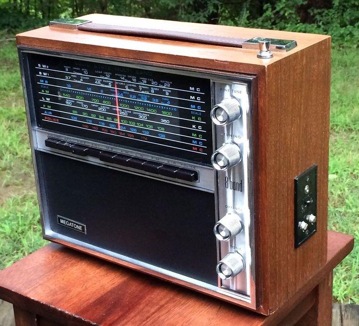 Vintage Megatone Solid State 8 Band Radio AM FM Shortwave