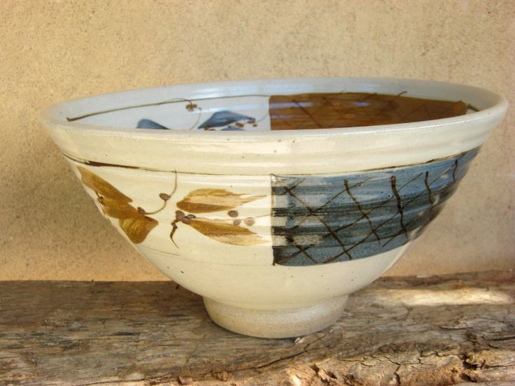 Footed bowl - White glaze with kaki and cobalt ox decoration