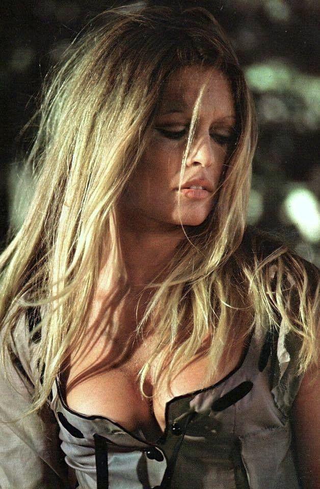 Brigitte Bardot ✾ in western film