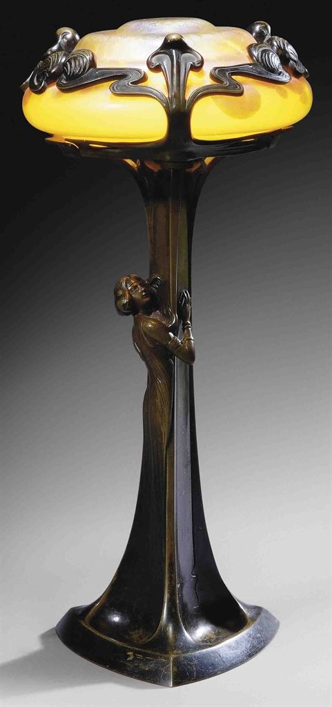 Art Nouveau Iridescent Glass and Patinated Bronze Figural Table Lamp (c.1900) Loetz, Austria