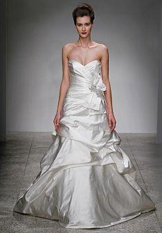 17 καλύτερα ιδέες για Brooch Wedding Dresses στο Pinterest