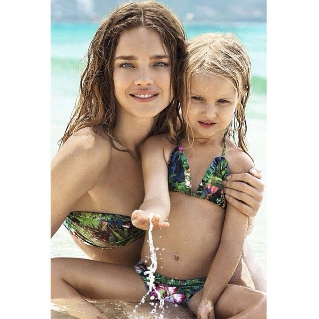 Good morning from mother of four Natalia Vodianova and her daughter Neva! Have a good day! #dochkimateri #momsdiary #mother #mom #bestmom #daughter #love #дочкиматери @natasupernova