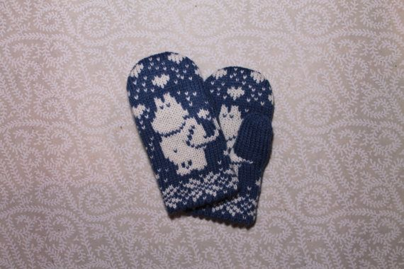 Adorable hand-made children mittens with moomin by LanaNere