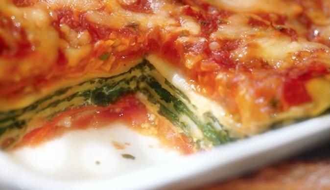 MAGGI Rezeptidee fuer Lasagne mit Spinat und Schinken
