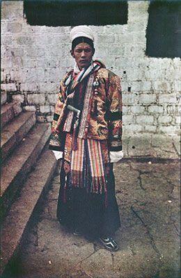 1937年2月13日、チベット、ポタラ宮で新年の儀式の際に撮影された晋美车仁(Jigme Taring)の写真。父はインド、シッキム王国のマハラジャの腹違いの兄弟。