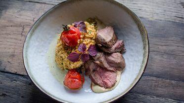 Mijn Pop-uprestaurant 2016: lamssteak met pittige bulgur van Chloé en Magali