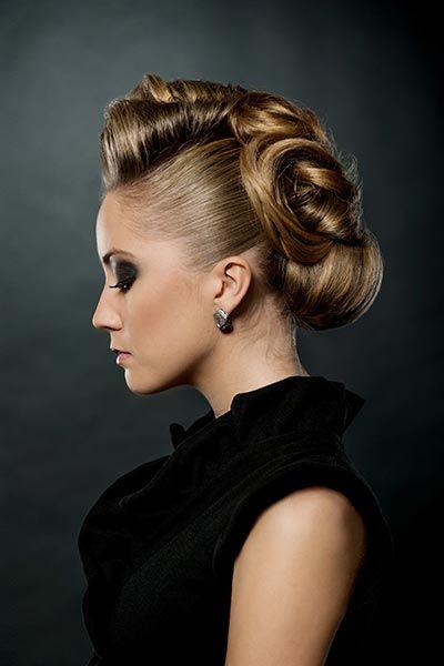 Hochsteckfrisur mit Chignon - Hochsteckfrisuren für lange und mittellange Haare