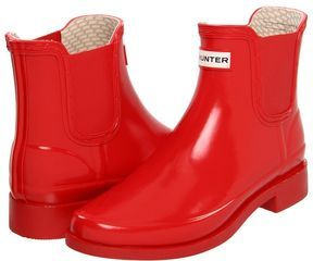 Short red Hunter rain boots on SALE - yes please! Bring on the ...