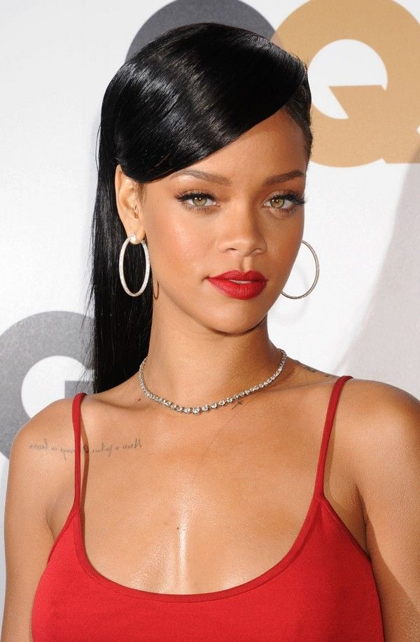 how to wear Rihanna red lipstick on dark skin