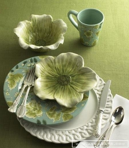 green flower dishes ~ a real pretty & earthy table setting ❀ ~  ◊  photo via  'lovelie greenie' at tumblr