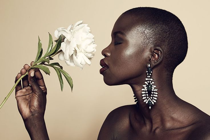 Nykhor Paul No Makeup | La modella Nykhor Paul contro i make-up artist Moda
