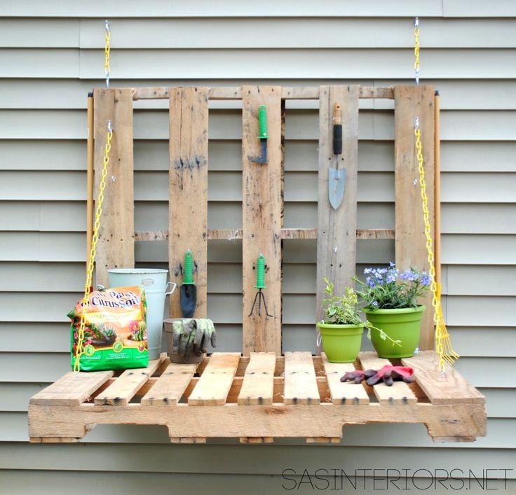 Tavolo richiudibile per lavori di fai da te creato con i pallet | DIY closable table made with pallets • #DIY #pallet #recycle #garden
