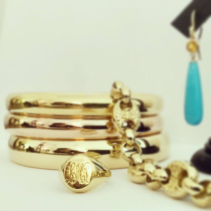 All about the Gold... Lannah's personal Monogram.  It's her Monogram moment.