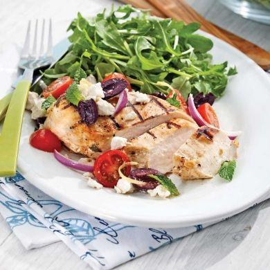 Poitrines de poulet à la grecque - Soupers de semaine - Recettes 5-15 - Recettes express 5/15 - Pratico Pratique