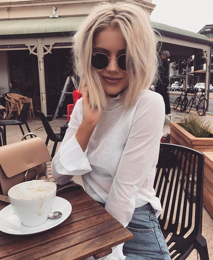 """12.4 k mentions J'aime, 54 commentaires - Laura Jade Stone (@laurajadestone) sur Instagram : """"Lots of ☕️☕️ for a big week ahead ✨"""""""