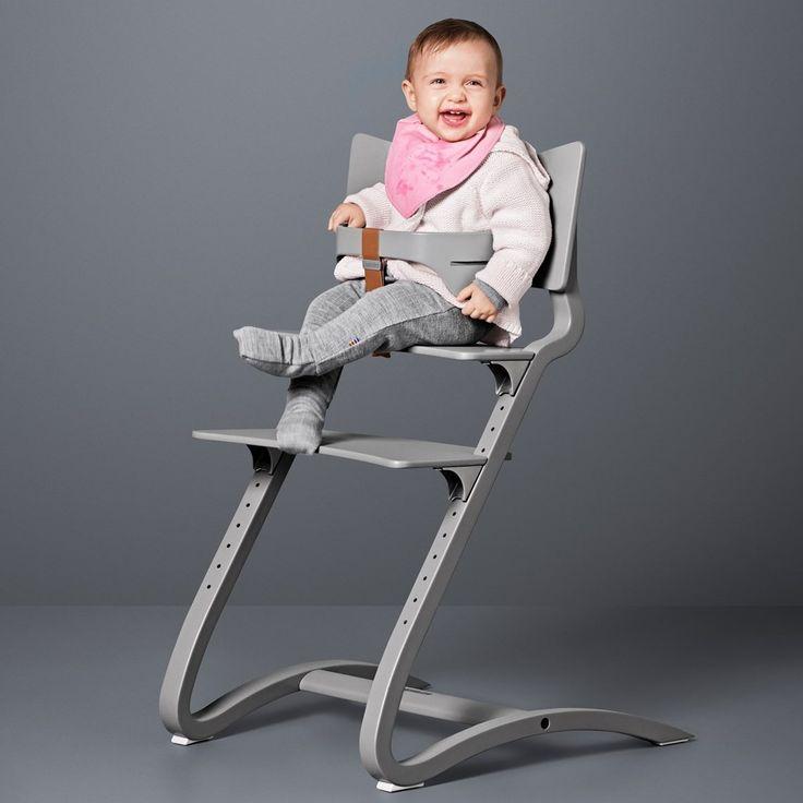 chaise haute bebe design en bois gris leander
