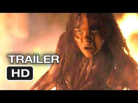 """New Trailer to the #Horror Remake of Stephen King's """"Carrie"""". With Chloe Moretz in the Title Role & Julianne Moore"""
