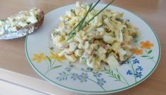 Wat gebraden of gekookte kip en nog eieren over van de Paasdagen? Maak dan eens deze lekkere kipkerriesalade. Ik heb de salade gemaakt met een stukje...