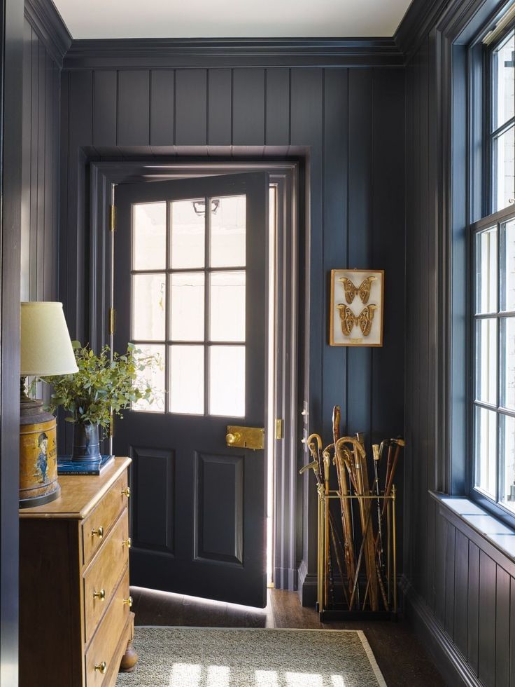 Black Shiplap Entryway- maybe int he mudroom/laundry room?