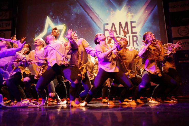Fame you choreo, Dozado, Юбилейный 10-й фестиваль современных танцевальных направлений Fame Your Choreo прошел в эти выходные – 26 и 27 ноября. В очередной раз организаторы создали невероятную атмосферу, которая собирает полные залы участников, учеников, да и обычных зрителей, которым интересны современные танцевальные тренды. А славится фестиваль не только драйвовой атмосферой, но и иностранными хореографами, которые каждый год делятся опытом зарубежных танцевальных течений и рассказывают…