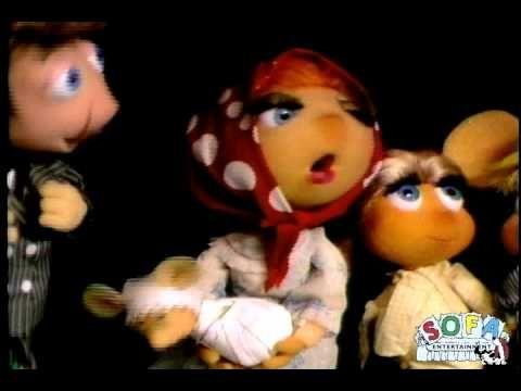 "Topo Gigio sings ""Funiculi-Funicula"" on The Ed Sullivan Show"