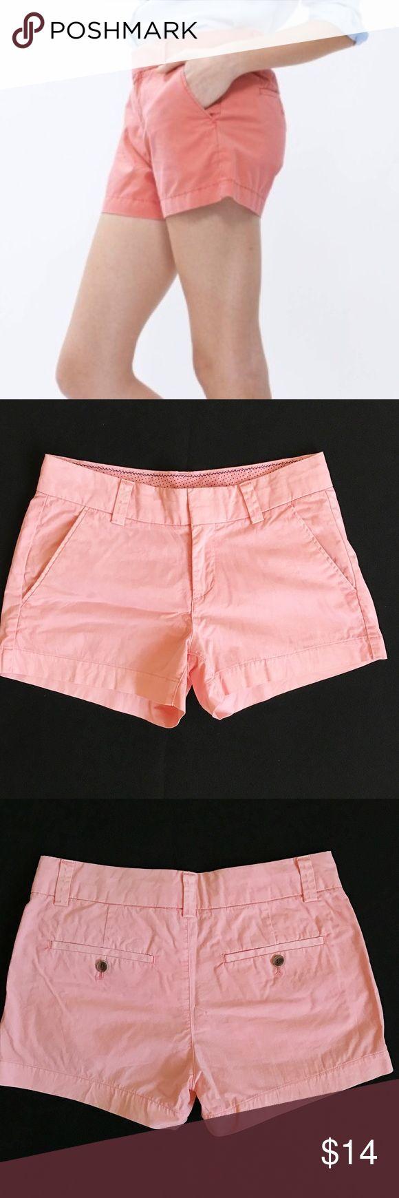 Uniqlo Pink Shorts Uniqlo salmon pink shorts. Such a pretty color and in great condition! Uniqlo Shorts