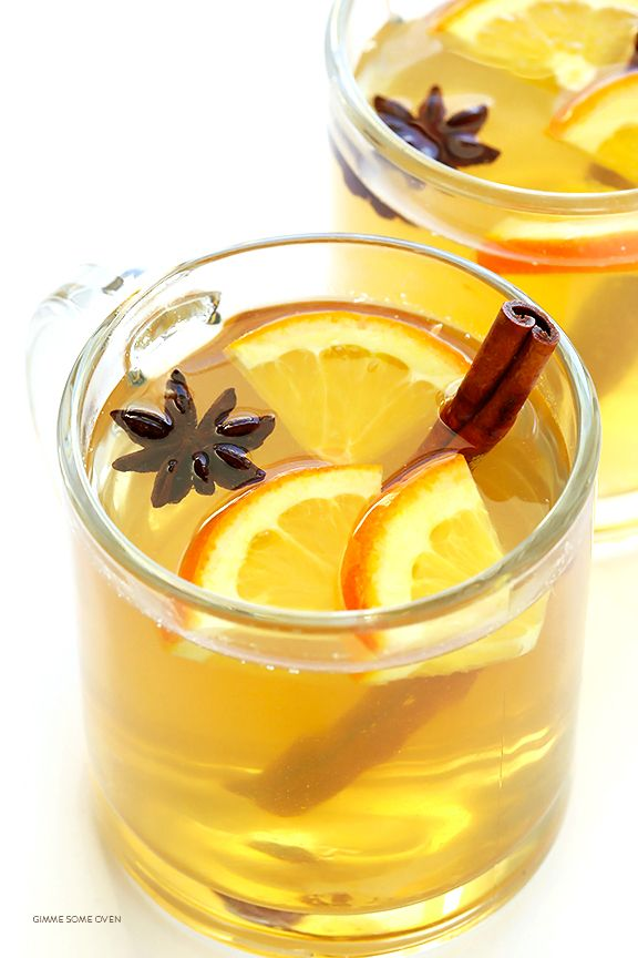 Mulled White Wine Recipe -- easy to make, and so deliciously warm and comforting | gimmesomeoven.com