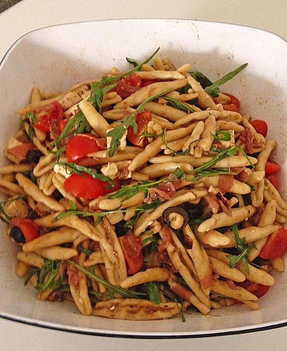 Nudelsalat mediterran, ein schönes Rezept aus der Kategorie Party. Bewertungen: 3. Durchschnitt: Ø 3,8.