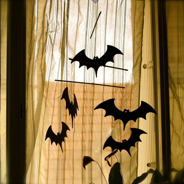Blog a 4 mains: halloween decoration diy - un mobile pour hallowee... #halloween #decoration #diy  #concours #gratuit #free #test #food #try