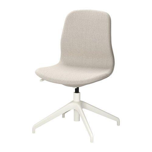 IKEA - LÅNGFJÄLL, Chaise pivotante, Gunnared beige, blanc, , Un siège de bureau ergonomique aux lignes courbes, avec des surpiqûres soignées et un mécanisme simple d'utilisation dissimulé sous l'assise pour conserver toute l'esthétique.Vous pouvez vous adosser de manière optimale du fait que la tension d'inclinaison facilement réglable avec une clé Allen vous permet d'adapter la résistance à vos mouvements et à votre poids.Le soutien lombaire inté...