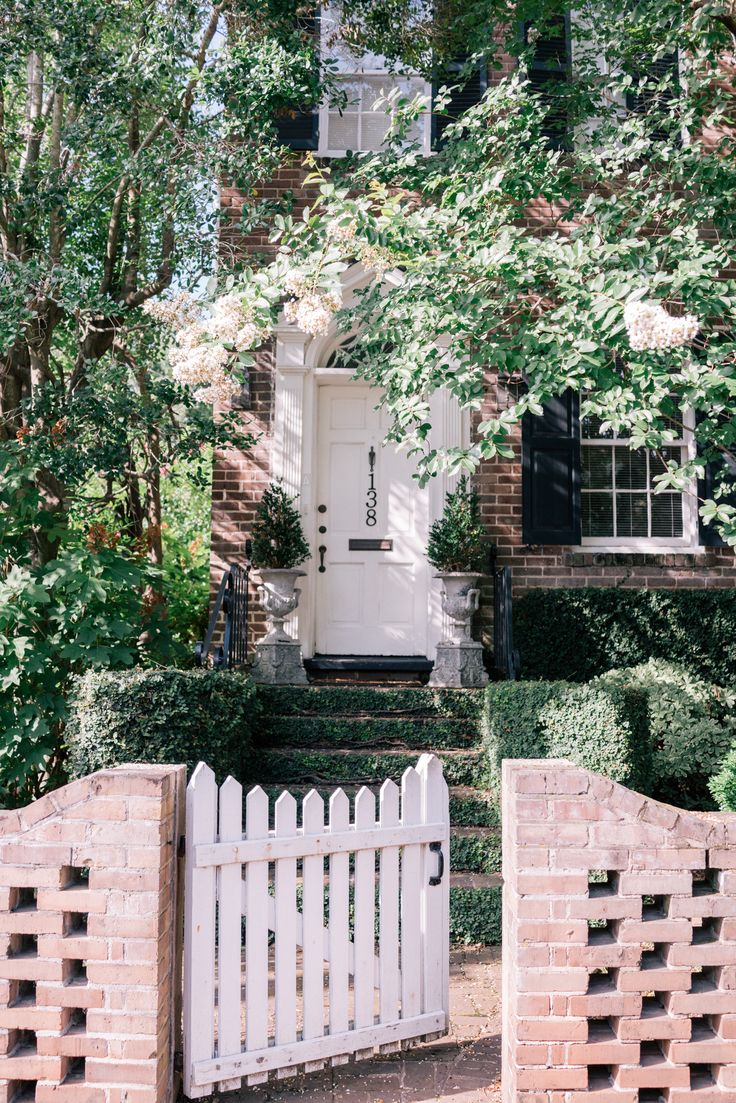 1122 best let 39 s be adventurous images on pinterest for Charleston style fence