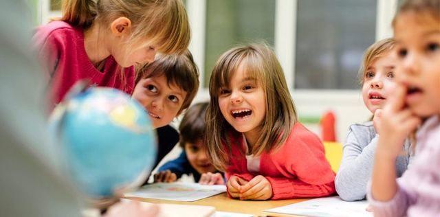 . Hola!. Ofrezco servicios de apoyo educativo, especial y ordinario, a alumnos de primaria, a domicilio. M�todos personalizados!.T�tulada en integraci�n social y psicologia educativa.Mi experiencia es con ni�os con TDAH, dislexia, trastorno en lecto-escritura, o cualquier dificultad ante el aprendizaje. Resultados de progreso asegurados. Tambi�n servicio para el trabajo de las emociones y habilidades sociales, a trav�s de actividades l�dicas y personalizadas.He estado en coles, y en casas…