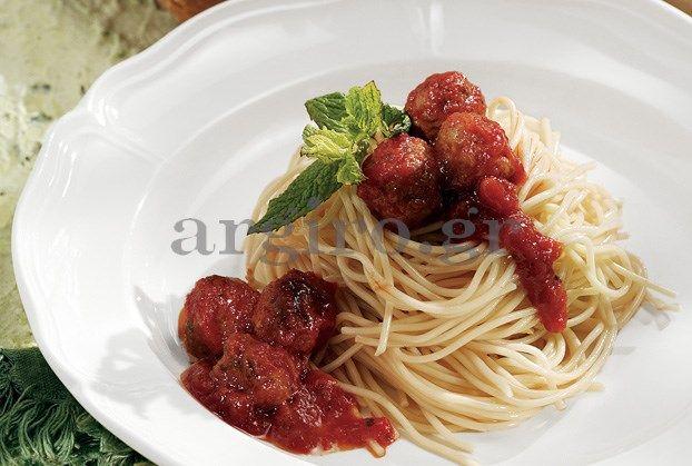 Μίνι κεφτεδάκια με σπαγγετίνι και σάλτσα ντομάτας