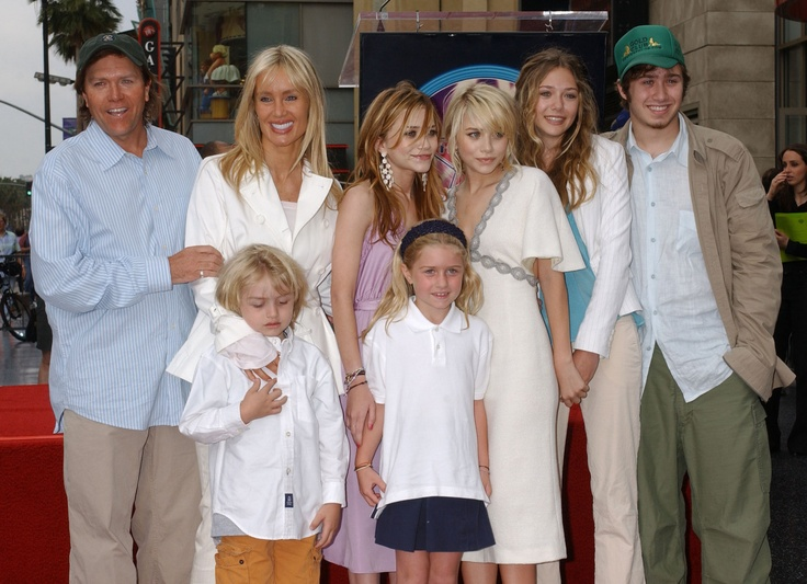 PHOTOS: Celebrities With Half-Siblings   Celebrities ...