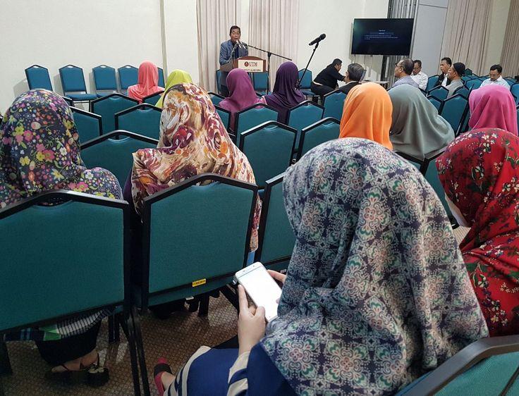 Sesi engagement Pejabat Harta Bina bersama warga FAB | Photos