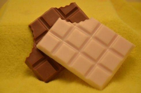 Όχι, δεν είναι πραγματική σοκολάτα! Είναι μια γλυκιά πρόταση σε αρωματικό σαπούνι! Τέλειο;;