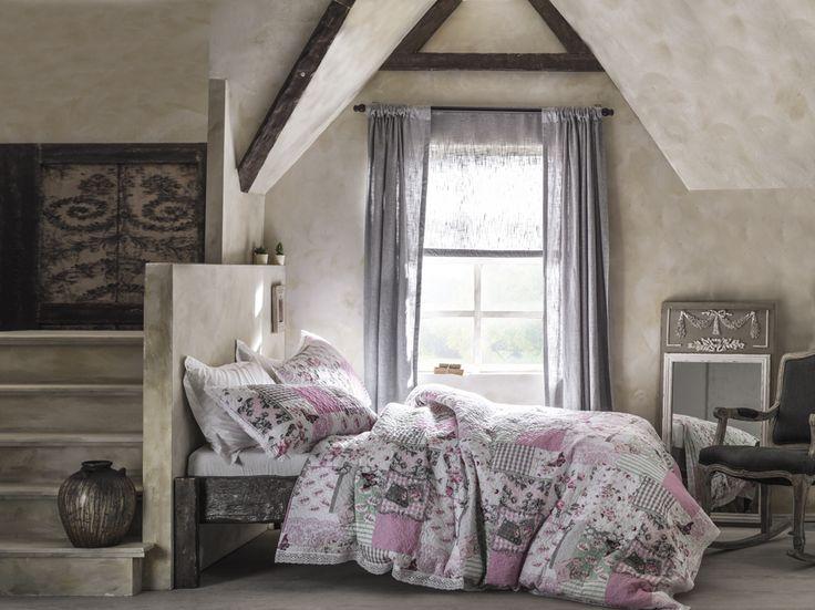 bedroom,shabby