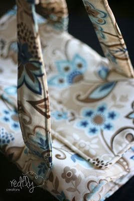 Redfly Creations: Chic Casserole Carriers