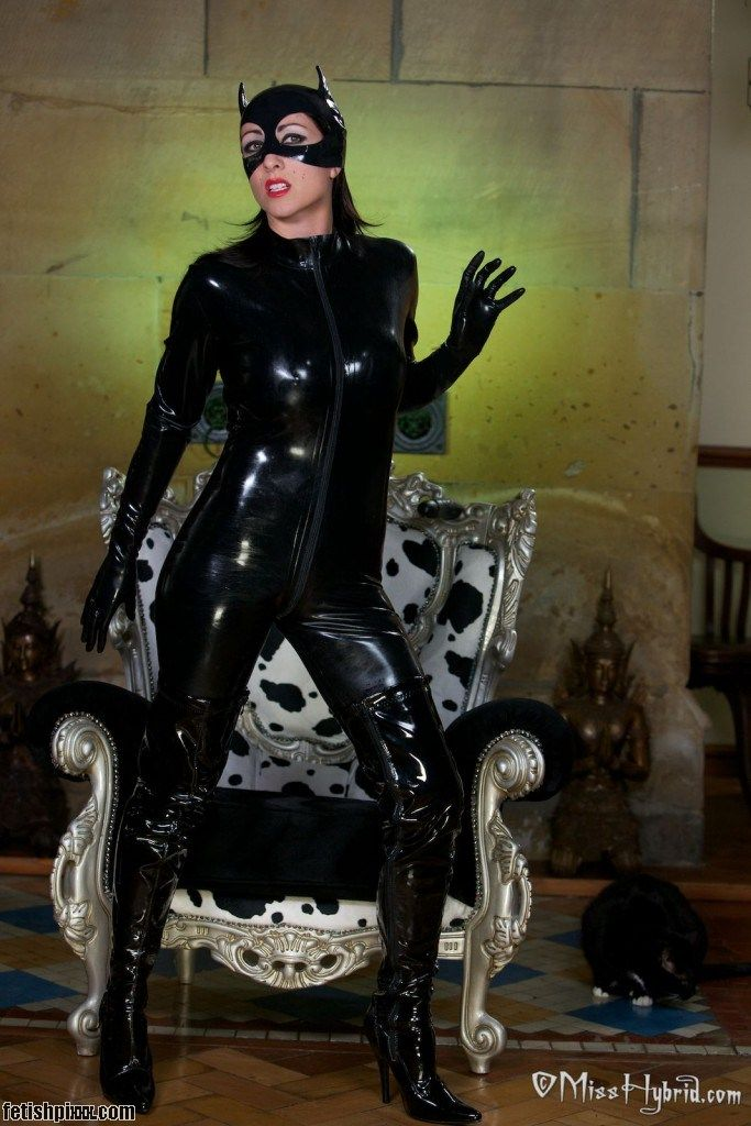 Miss Hybrid pretty kitty in her latex catsuit