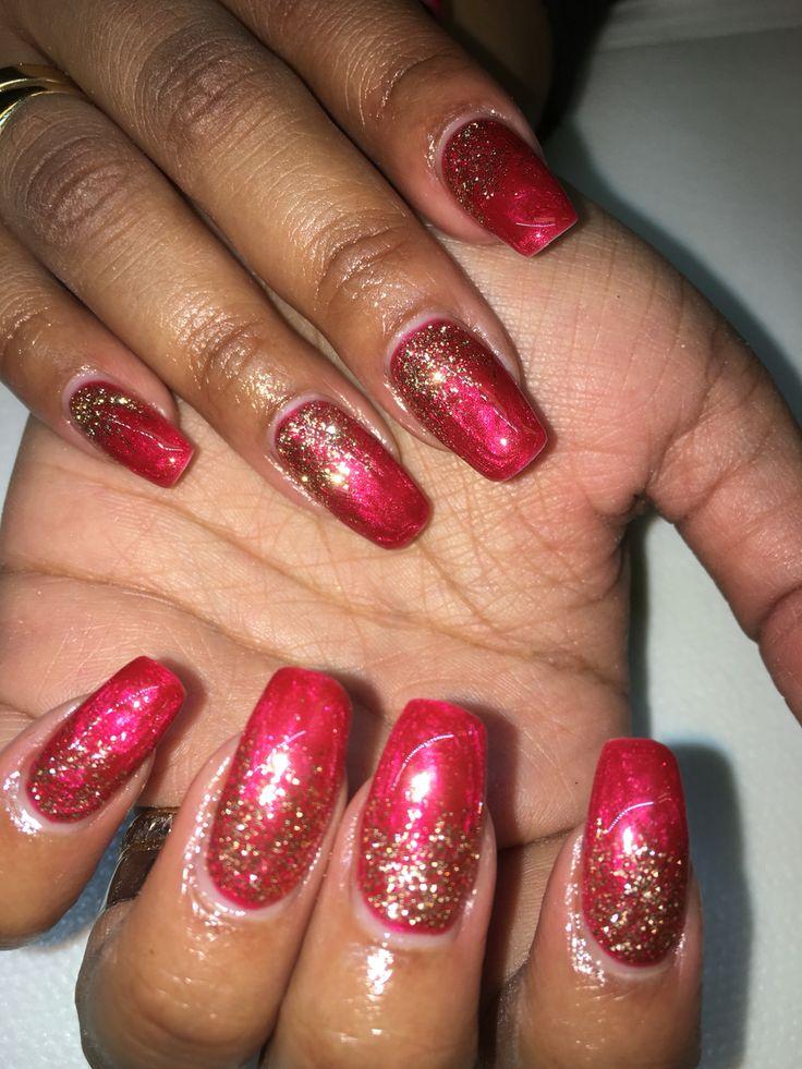 Röda naglar med guld glitter!!
