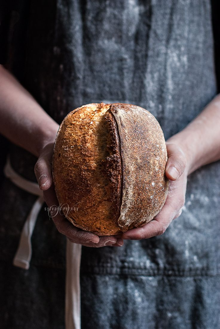 Whole wheat and malted barley sourdough bread. By Sylvain Vernay.